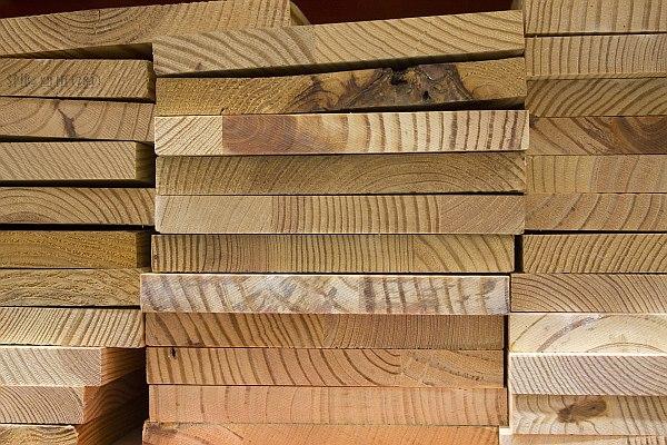 Materiał na schody drewiane